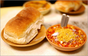 Curry Leaves Misal